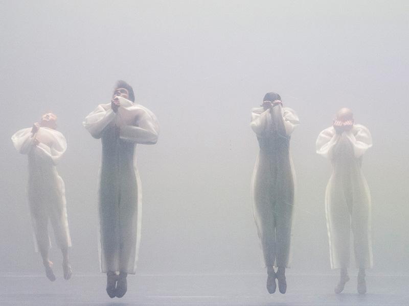 09-ERDE-pedro-alcalde-Komische-Oper-Berlin
