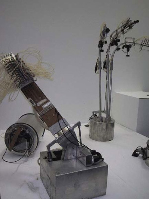 02a-macba-sound-clusters-robots-musicales